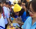 Sinh viên bày học sinh bảo vệ môi trường
