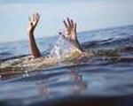 Hai cháu bé chết đuối dưới hố nước công trình