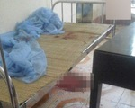 Chồng đâm chết vợ tại bệnh viện vì ghen tuông