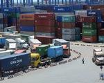 Hàng ùn ứ ở cảng vì quy định