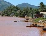 Nước sông ở Đà Nẵng chuyển màu, nghi doanh nghiệp xả thải