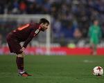 Messi sút hỏng penalty, Barca gục ngã trước Espanyol