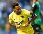 """Tevez dính chấn thương khi đá """"phủi"""" trong tù"""
