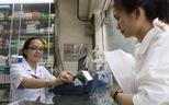 Trả viện phí không tiền mặt: nhiều lợi ích nhưng bệnh viện vẫn ngần ngại