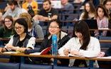 Mỗi năm, người Việt chi từ 3-4 tỉ USD cho du học