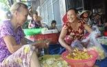 Bà Đê trao 'cần câu cơm' cho người khó
