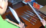 Video: Hai nhóm thanh niên dùng súng, dao, kiếm tấn công nhau trên phố