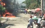 Video: Người dân tháo chạy vì đường dây điện cháy lớn