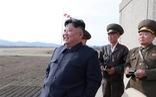 Ông Kim Jong Un xuất hiện chỉ đạo phi công chiến đấu