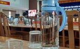 Quảng Nam: Bắt đầu dùng bình thủy tinh thay cho chai nhựa trong kỳ họp