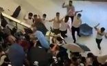 Nhóm người mặc áo trắng bịt mặt tấn công người biểu tình, nhà báo Hong Kong