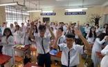 Học sinh TP.HCM nhảy TikTok Laxed để tập thể dục đầu giờ