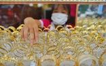 Giá vàng thế giới về sát ngưỡng 1.900 USD/ounce, trong nước giảm nhẹ