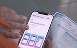 Gõ cửa tận nhà dân để khuyến khích cài app thanh toán tiền điện