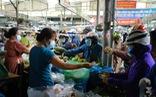 Sau tin hạn chế ra khỏi nhà nếu dịch không giảm, chợ và siêu thị ở Đà Nẵng chen chúc khách