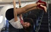 Các nữ tiếp viên xinh đẹp làm gì khi máy bay ế khách?