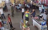 Thượng úy công an tát nhân viên bán hàng bị giáng cấp, cho xuất ngũ