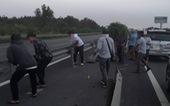 Vụ dỡ barie quay đầu xe trên cao tốc: Sẽ mời tài xế lên làm việc