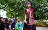 Nhà thiết kế Minh Hạnh mang tơ lụa, thổ cẩm đến Festival Hoa Đà Lạt