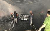 Sạc pin xe điện trẻ em, cháy rụi bãi giữ xe