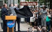 NASA đổi tên đường qua trụ sở để tôn vinh nhà khoa học nữ
