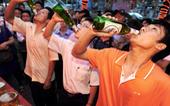 WHO cảnh báo không nên uống rượu để giết virus corona