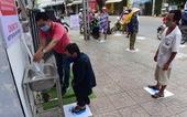 'ATM gạo' ở Tân Phú tuôn trào nhân ái Sài Gòn 24/24