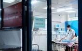 Nắng sốc khiến nhiều người nhập viện, bệnh viện nhi khám 2.500-3.500 trẻ mỗi ngày