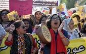 Khi phụ nữ Pakistan hẹn hò qua Tinder