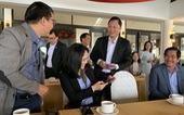 Chủ tịch tỉnh mời doanh nghiệp uống cà phê, lì xì và nghe 'hiến kế' phát triển du lịch
