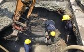 Xuất hiện hố sâu 2m trên đường Huỳnh Tấn Phát, TP.HCM