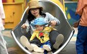 Giáo sư Trung Quốc đề xuất tặng tiền để cải thiện tỉ lệ sinh