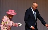 Dự tiệc trà với hoàng gia Anh xong, ông Biden nói nữ hoàng Anh giống mẹ mình