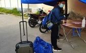 2 bạn trẻ làm thuê đi bộ từ Thủ Đức về Huế, đến Đồng Nai bị chặn lại và... tặng vé tàu