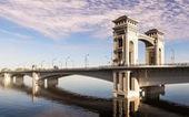 Cầu Trần Hưng Đạo pha trộn nhiều chi tiết có từ thời trung cổ?