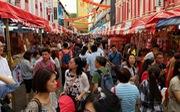 Chính phủ Singapore lì xì toàn dân, dân lại thấy lo hơn mừng