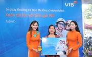 Gần 600 khách hàng trúng vàng khi gửi tiết kiệm tại VIB