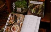 Báo Thái Lan giới thiệu sách về món chay Việt của đầu bếp Canada
