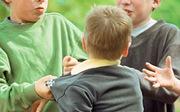 Vì sao chúng tôi dạy con đánh lại khi bị bắt nạt?