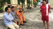 Cứu sống 3 thuyền viên sà lan bị chìm ở Bạch Long Vỹ