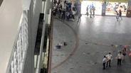 Mảng bêtông rơi, nam sinh viên tử vong tại sân trường