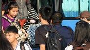 Sinh viên lo lắng vì móc túi hoành hành trên xe buýt