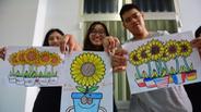 """Sinh viên HUFLIT vẽ tranh """"Ngày hội Hoa hướng dương"""""""
