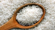 Phí mai táng phạm nhân chết trong tù: sao phải quy ra gạo?