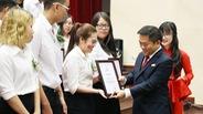UEF trao tặng 23 tỷ đồng học bổng cho sinh viên trong Lễ khai giảng 2016