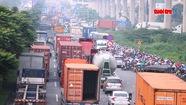 Cửa ngõ phía Đông TP.HCM kẹt xe nghiêm trọng lúc sáng sớm