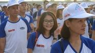Hơn 1.000 người đi bộ, sôi động ngả đường quận 2