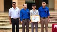 Khen thưởng học sinh cứu người đuối nước
