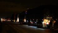 Container lật chắn ngang quốc lộ 1, xe cộ ùn tắc kéo dài