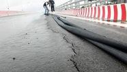 Hải Phòng: cầu vượt có vết nứt vì thời tiết xấu